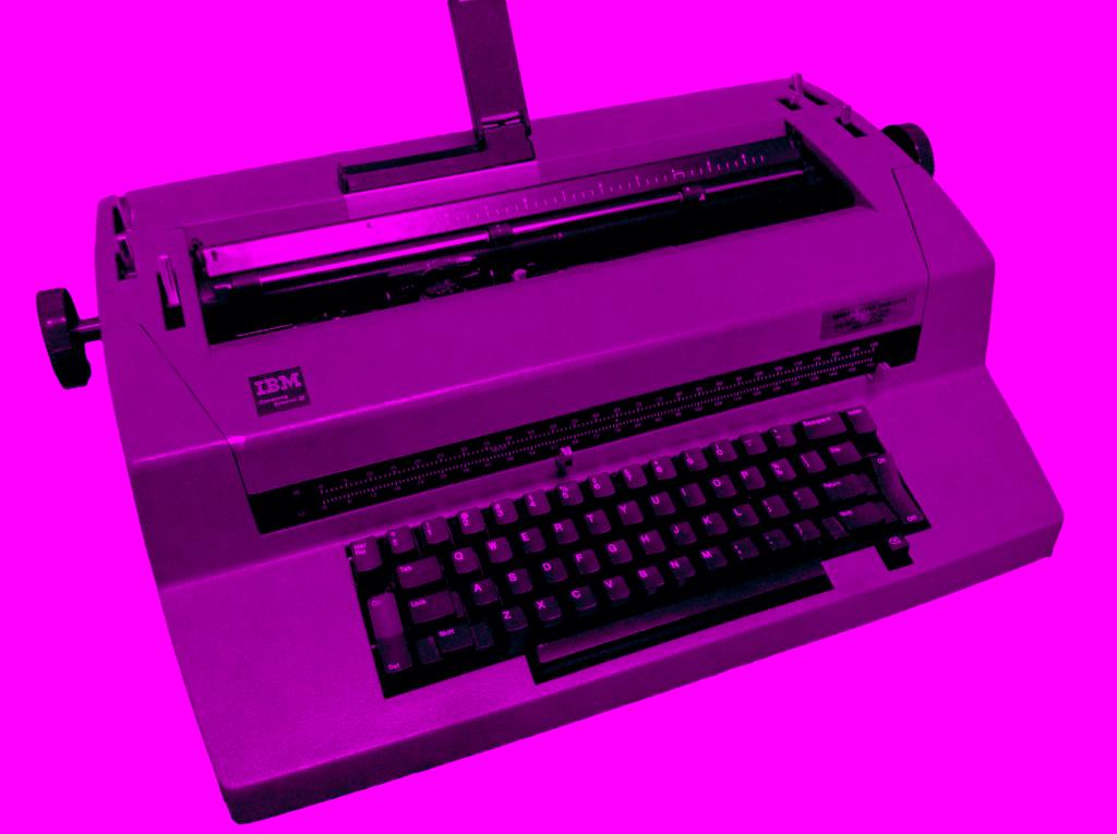 IBM_Correcting_Selectric_III_Typewriter._magenta